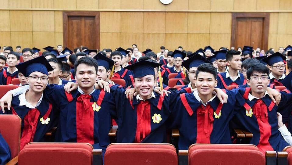 Từ tháng 7, không còn phân biệt bằng đại học chính quy và tại chức