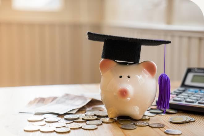 học trung cấp với mức học phí thấp