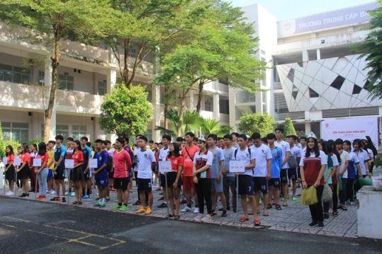 Khai mạc Hội thao Học sinh sinh viên trường Trung Cấp Bách Khoa Sài Gòn lần thứ 7
