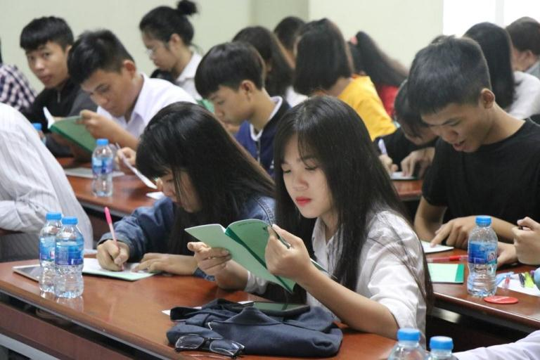Trường trung cấp Bách Khoa Sài Gòn tổ chức khai giảng đợt 4 năm 2018