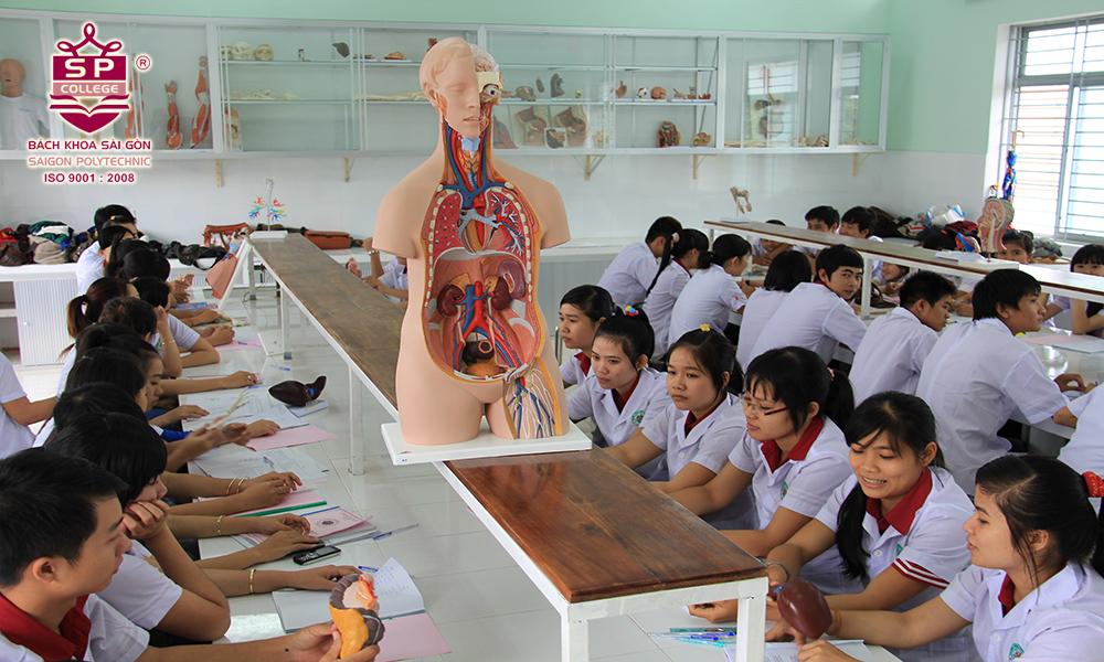 trung cấp điều dưỡng đa khoa