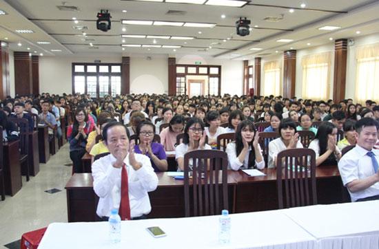 Trường Trung cấp Bách Khoa Sài Gòn long trọng tổ chức Lễ khai giảng Đợt 2 - Năm học 2016 - 2017