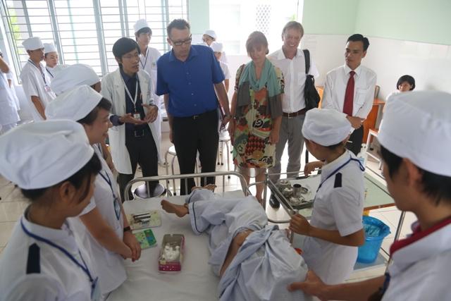 Tham quan hoạt động thực hành của HS-SV Bách Khoa Sài Gòn