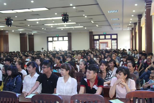 Niềm vui ngày khai giảng của HSSV nhập học đợt 2