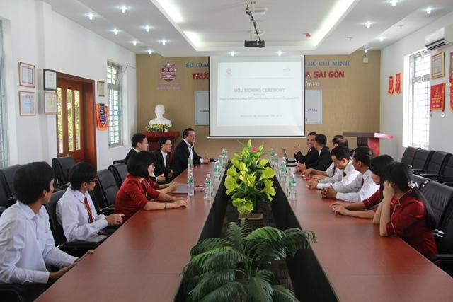 Kí kết MOU giữa Học viện Marketing Singapore (MIS) và Trường TC Bách Khoa Sài Gòn (SPC)